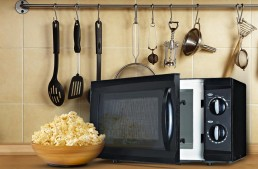 The Top 5 Smallest Microwave Ovens for Your Dorm or Kitchen